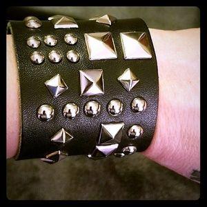 Jewelry - 💥💥LEATHER BRACELET💥💥